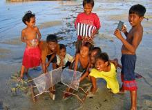 kids-lekker-aan-het-spelen-aanhet-strand-op-lombok