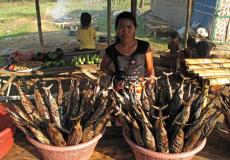 traditioneel-gerookte-vis-op-lombok