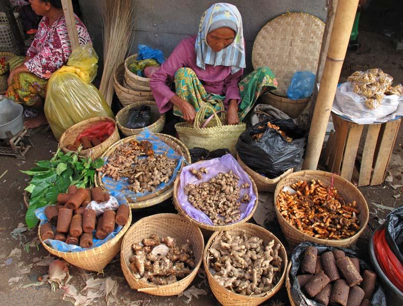 lokale-markt-in-de-kampong-op-lombok